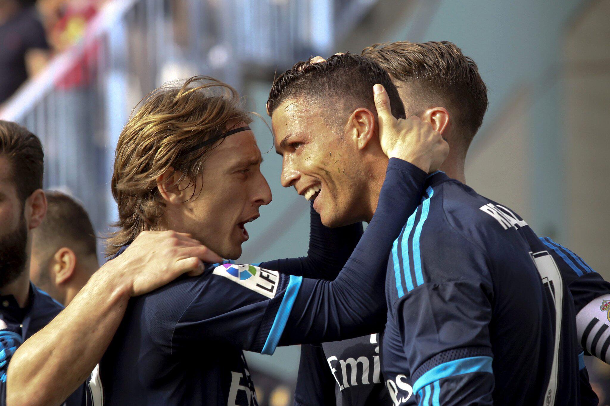 Bild zu Cristiano Ronaldo und Luka Modric