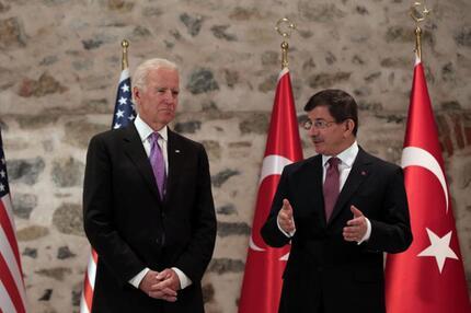 Biden und Davutoglu