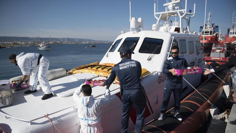 Flüchtlingsschiff «Sea Watch» vor Küste von Sizilien