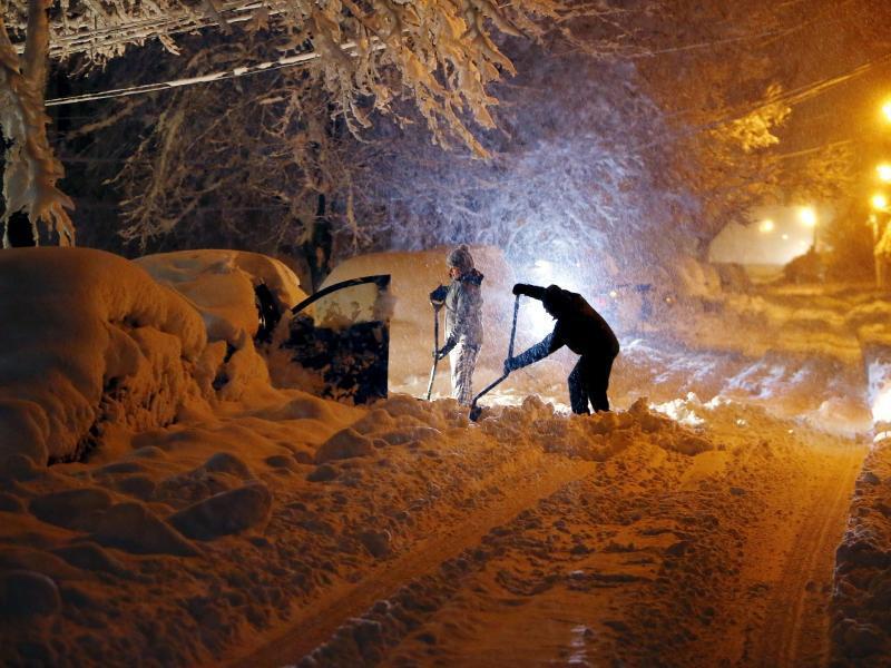 Bild zu Schneesturm legt US-Ostküste lahm