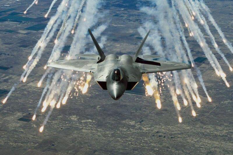 Bild zu Kampfjet F-22