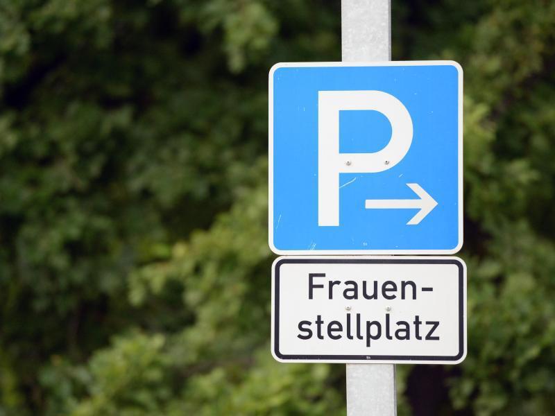 Bild zu Parkplatz für Frauen