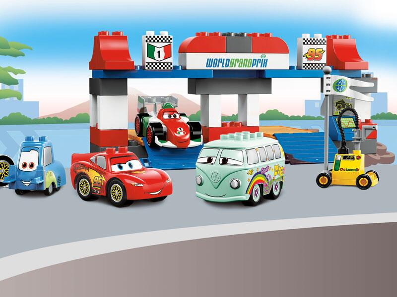 Bild zu Guido, Lightning McQueen, Francesco und Bully