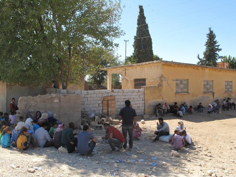 Bild zu Flüchtlinge an der türkisch-syrischen Grenze