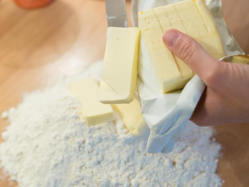 Bild zu Kalte Butter für knetbaren Mürbeteig