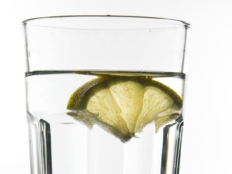 Bild zu Wasser im Glas