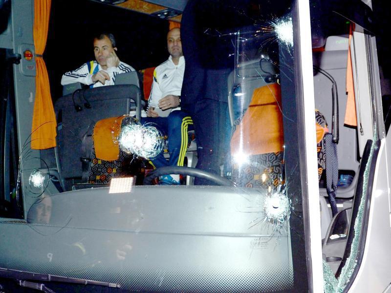 Bild zu Mannschaftsbus