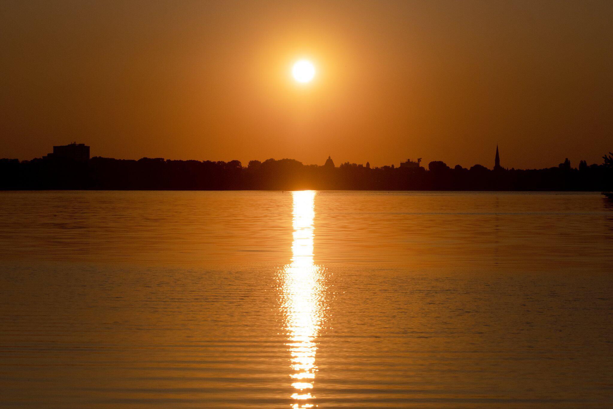 Bild zu Sonnenaufgang