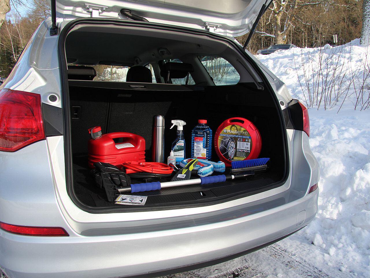 Bild zu Absolutes Muss: Das richtige Autozubehör für den Winter