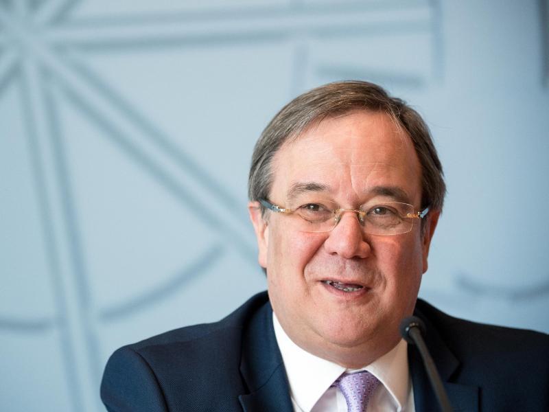 Bild zu NRW-Ministerpräsident Laschet