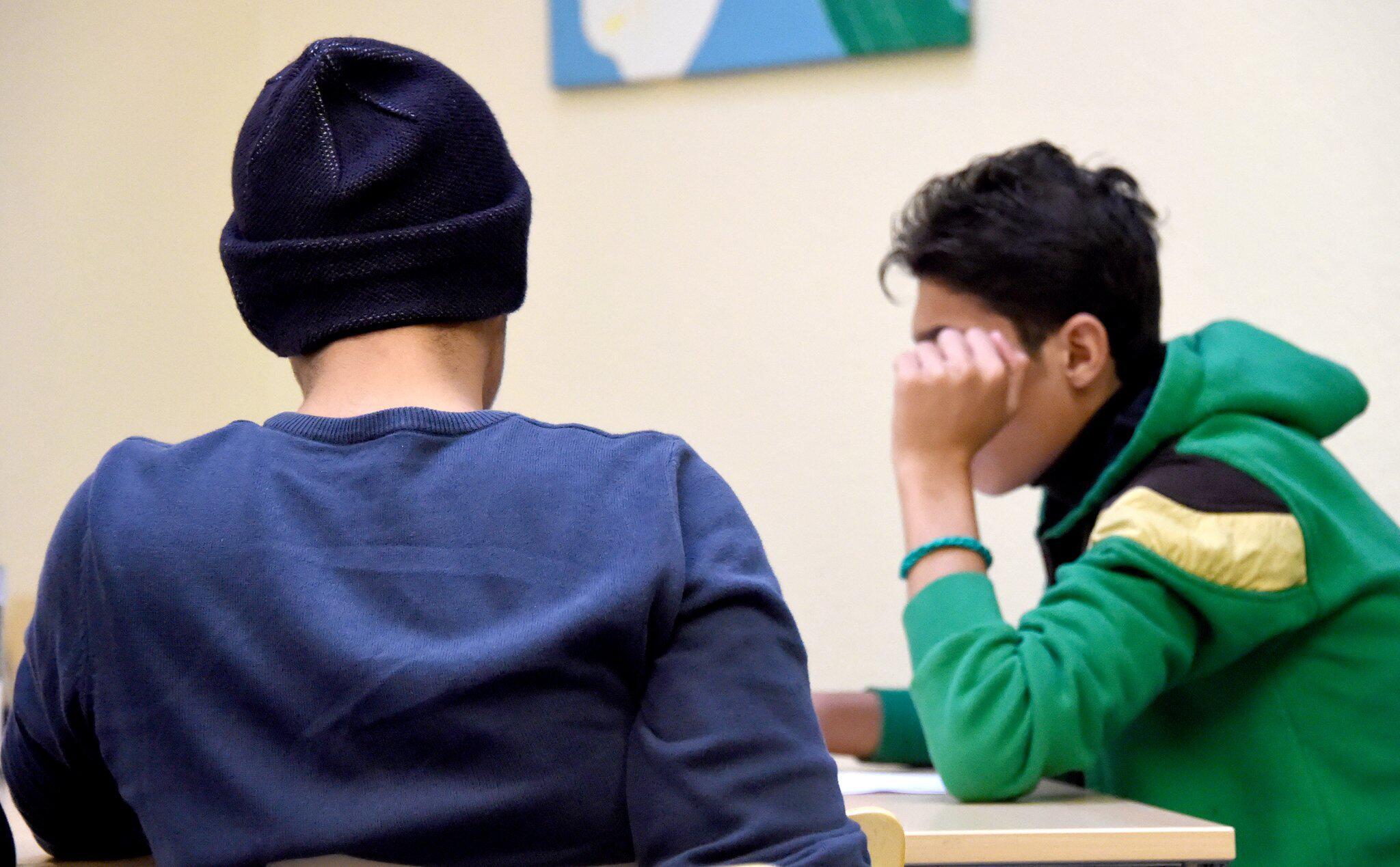 Bild zu Debatte um Alterstests bei Flüchtlingen