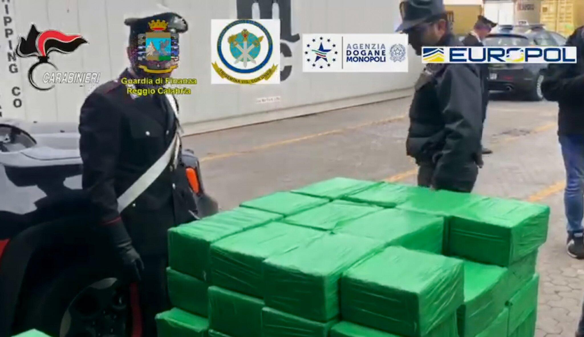 Italien: Fast 1200 Kilo Kokain in Bananenkisten gefunden - Ziel Deutschland