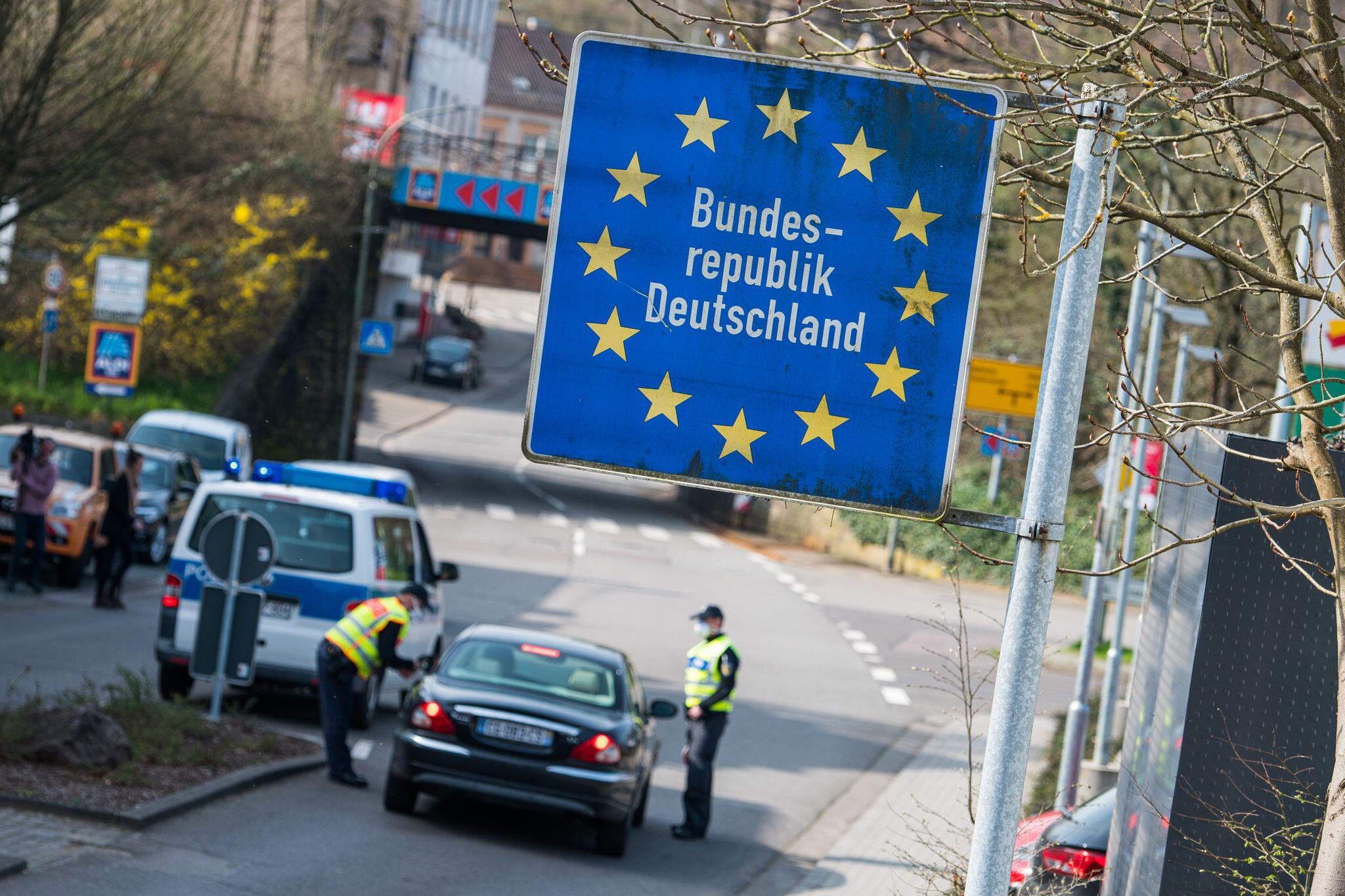 Deutschland verlängert Grenzkontrollen zur Schweiz
