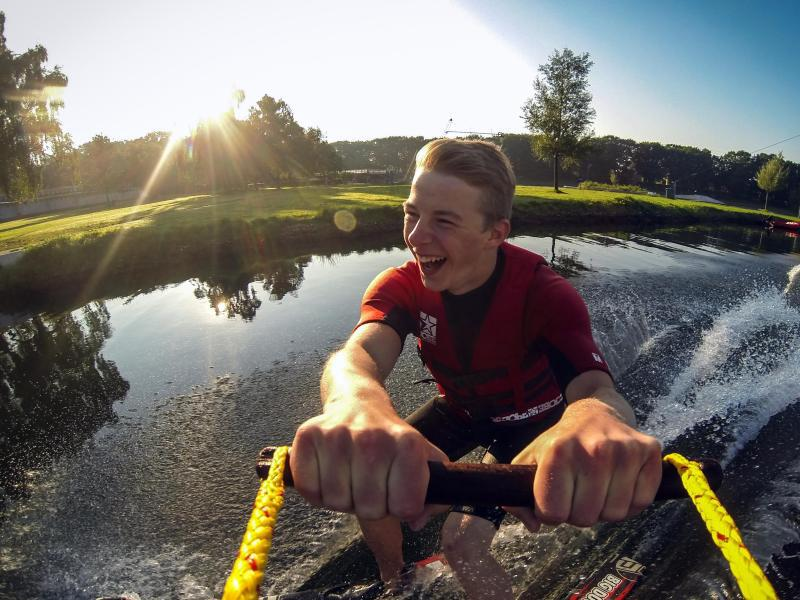 Bild zu Wasserskifahren