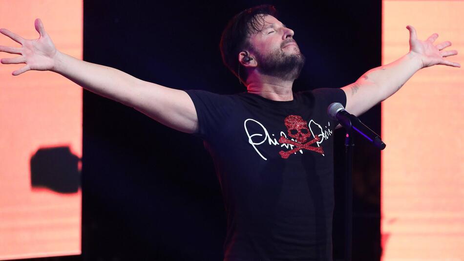 Der Sänger Michael Wendler auf der Bühne am 28.09.2019 in der Turbinenhalle in Oberhausen.