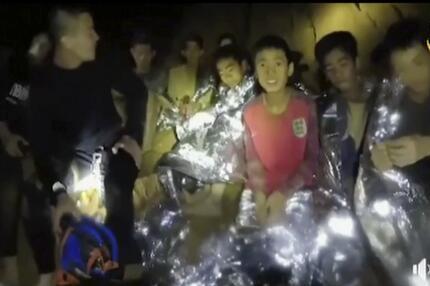 Rettung der vermissten Fußballmannschaft in Thailand