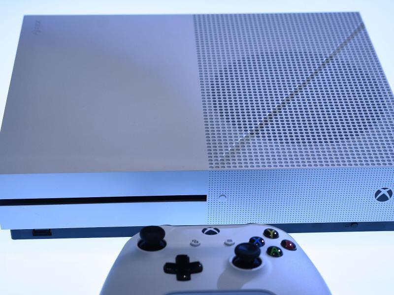 Bild zu Xbox One S