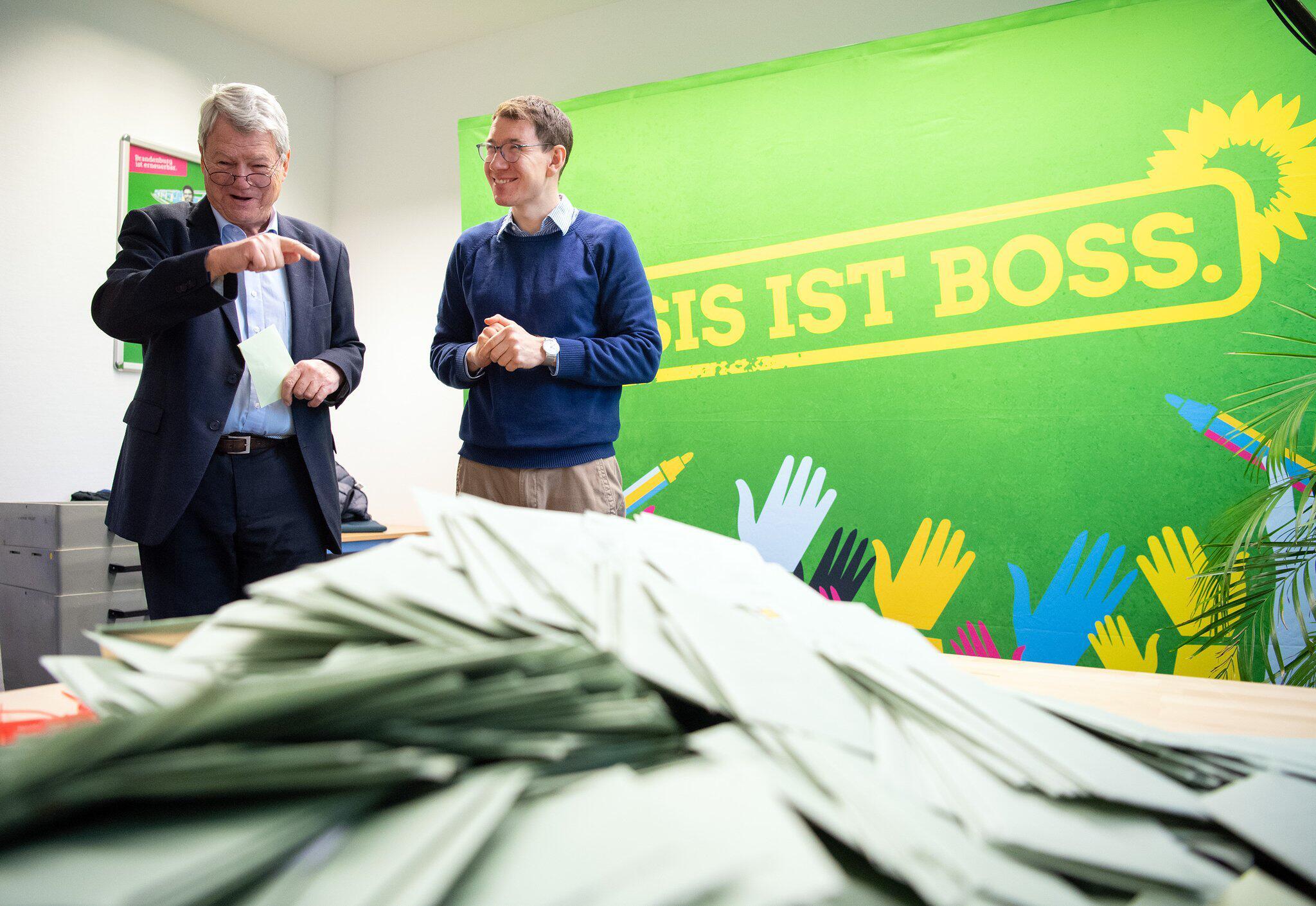Bild zu Urabstimmung der Brandenburger Grünen zum Koalitionsvertrag