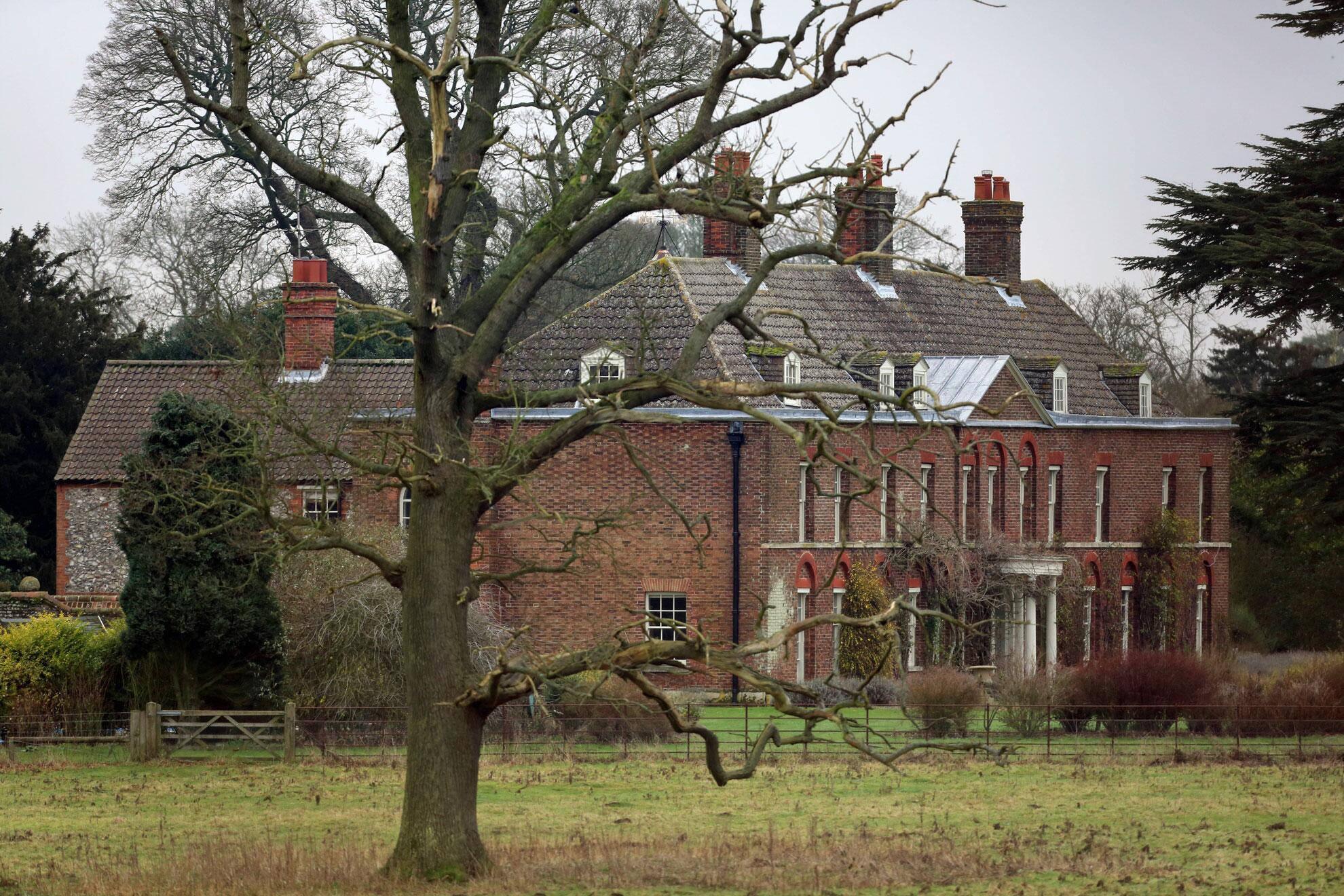Bild zu Kates Baby wächst in Anmer Hall auf, Prinz William