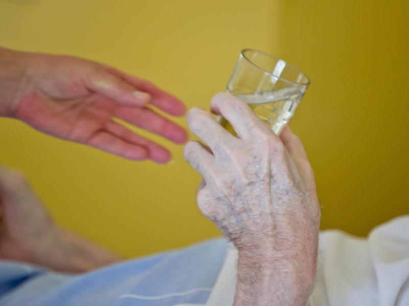 Bild zu Versorgung einer Seniorin
