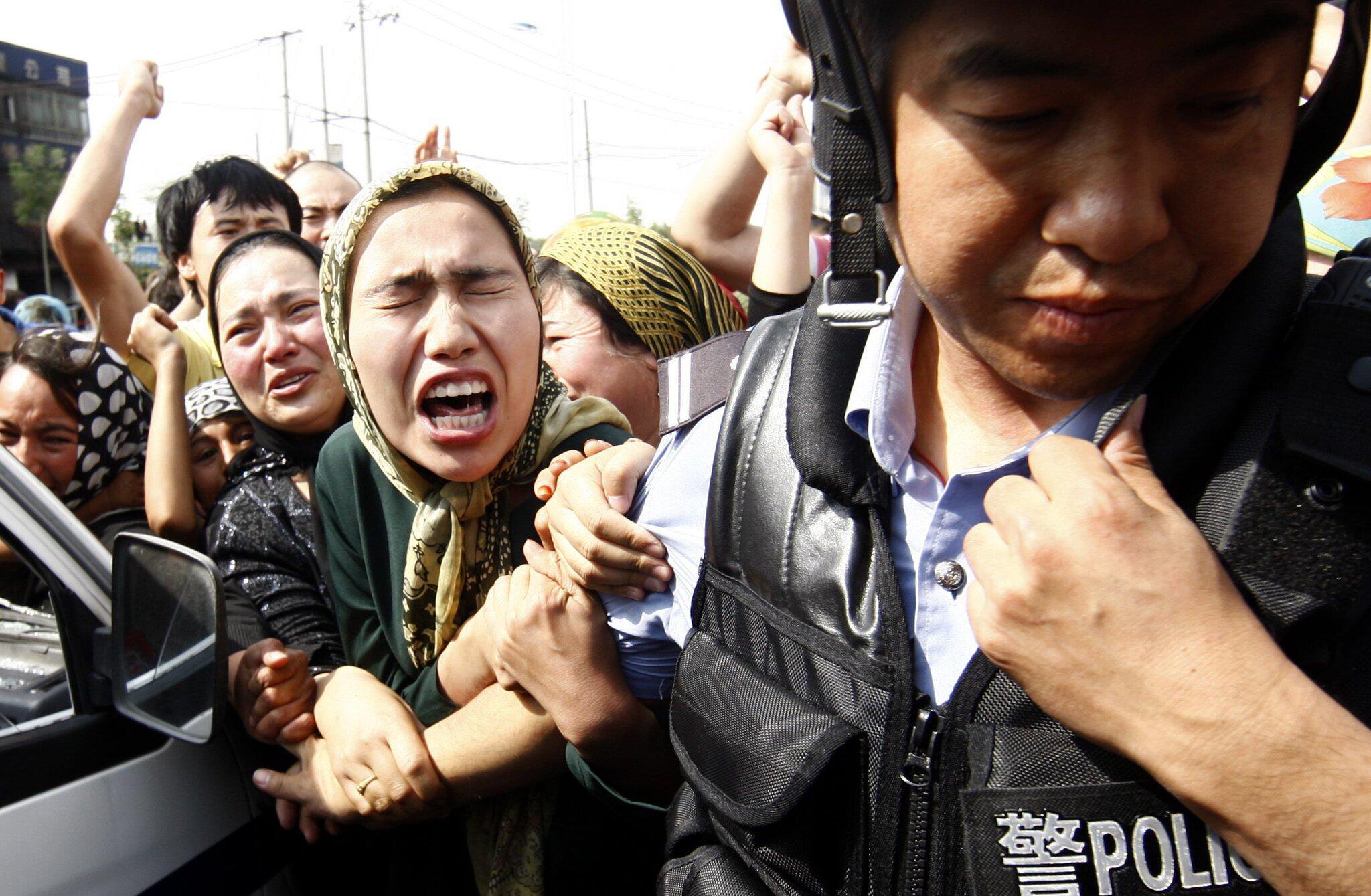 Bild zu Uiguren, Polizei, China, Polizist