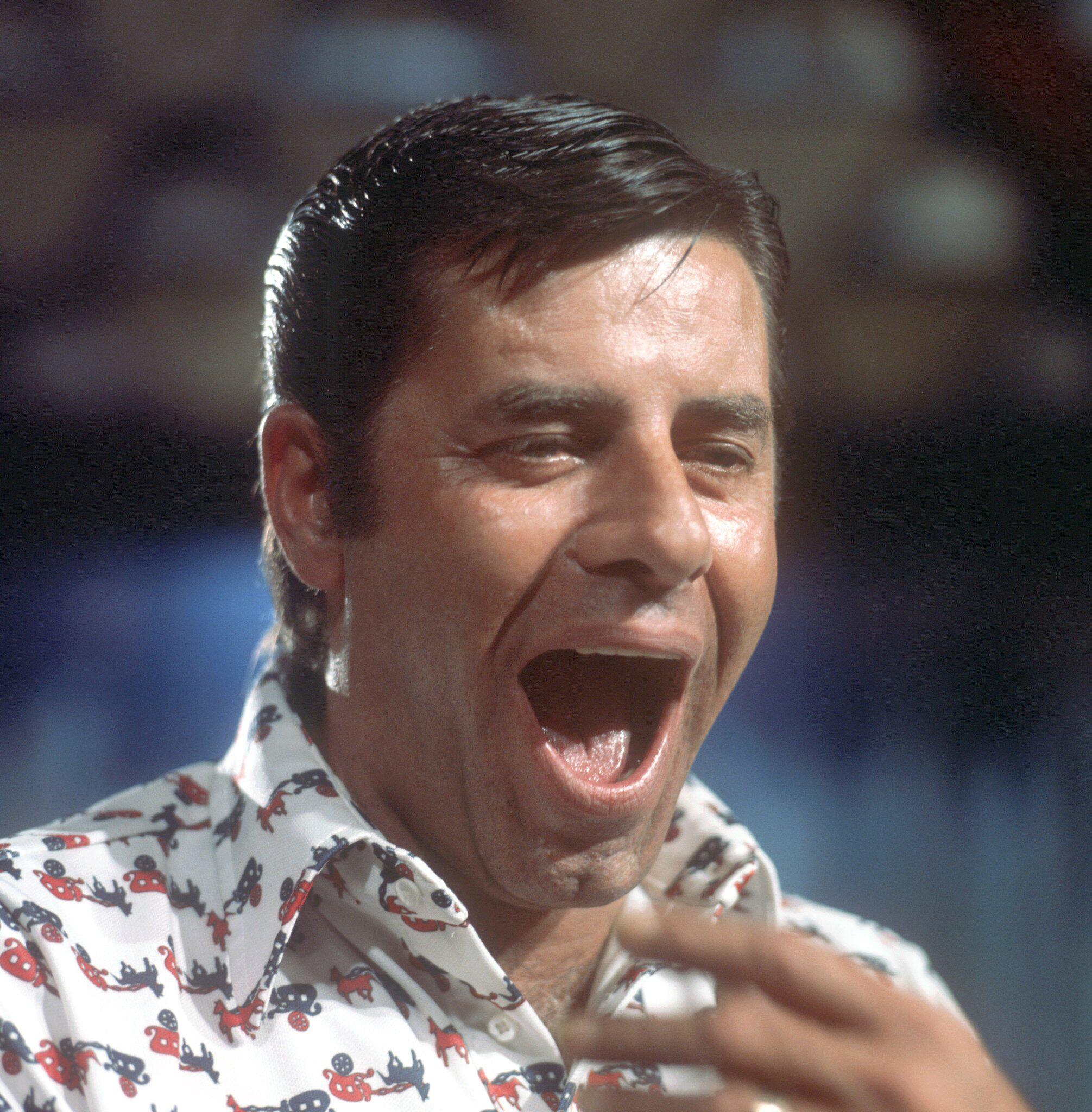 Jerry Lewis Ist Tot Der Freak Mit Den Kopfhörern Im Nasenloch Webde