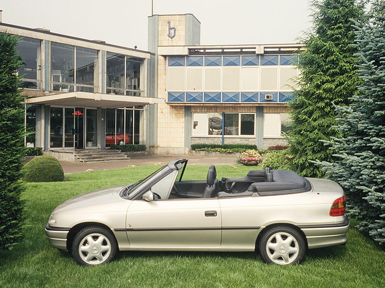 Bild zu Opel Astra Cabrio von 1993