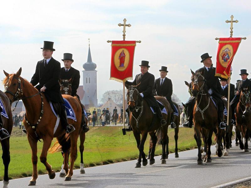 Bild zu Osterreiter in der Lausitz