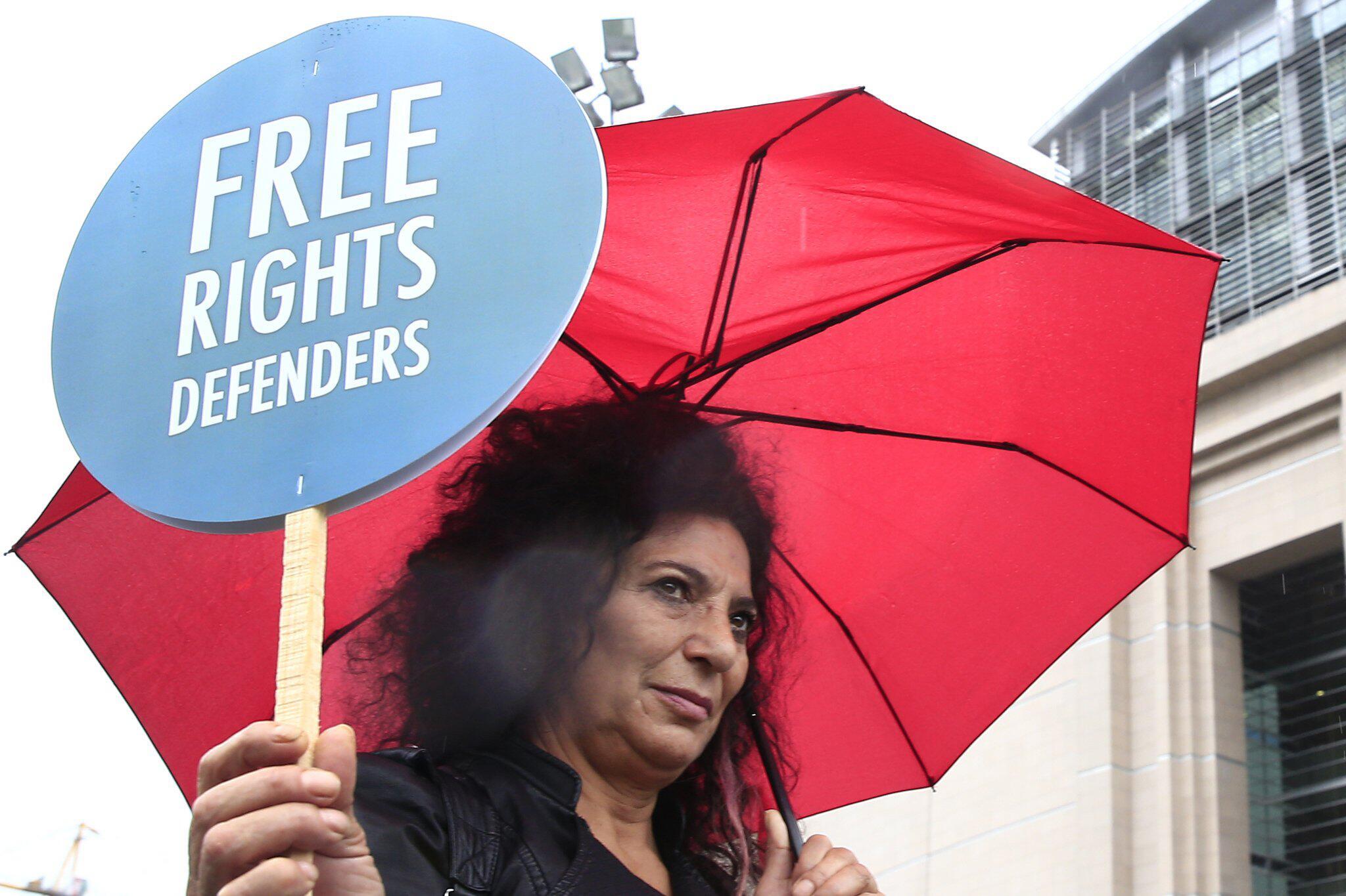 Bild zu Protest gegen Prozess in Istanbul