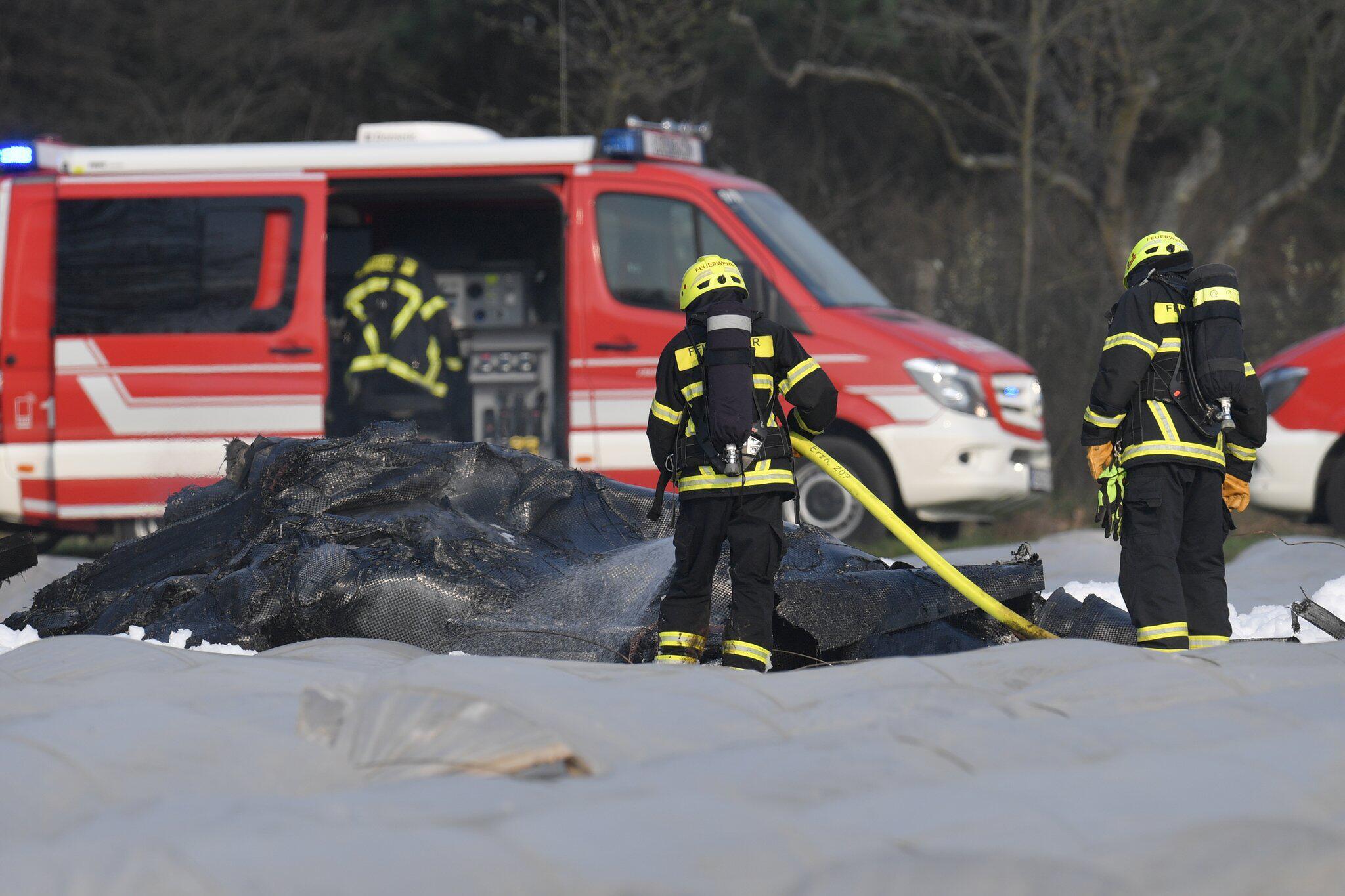 Bild zu Kleinflugzeug in Südhessen abgestürzt