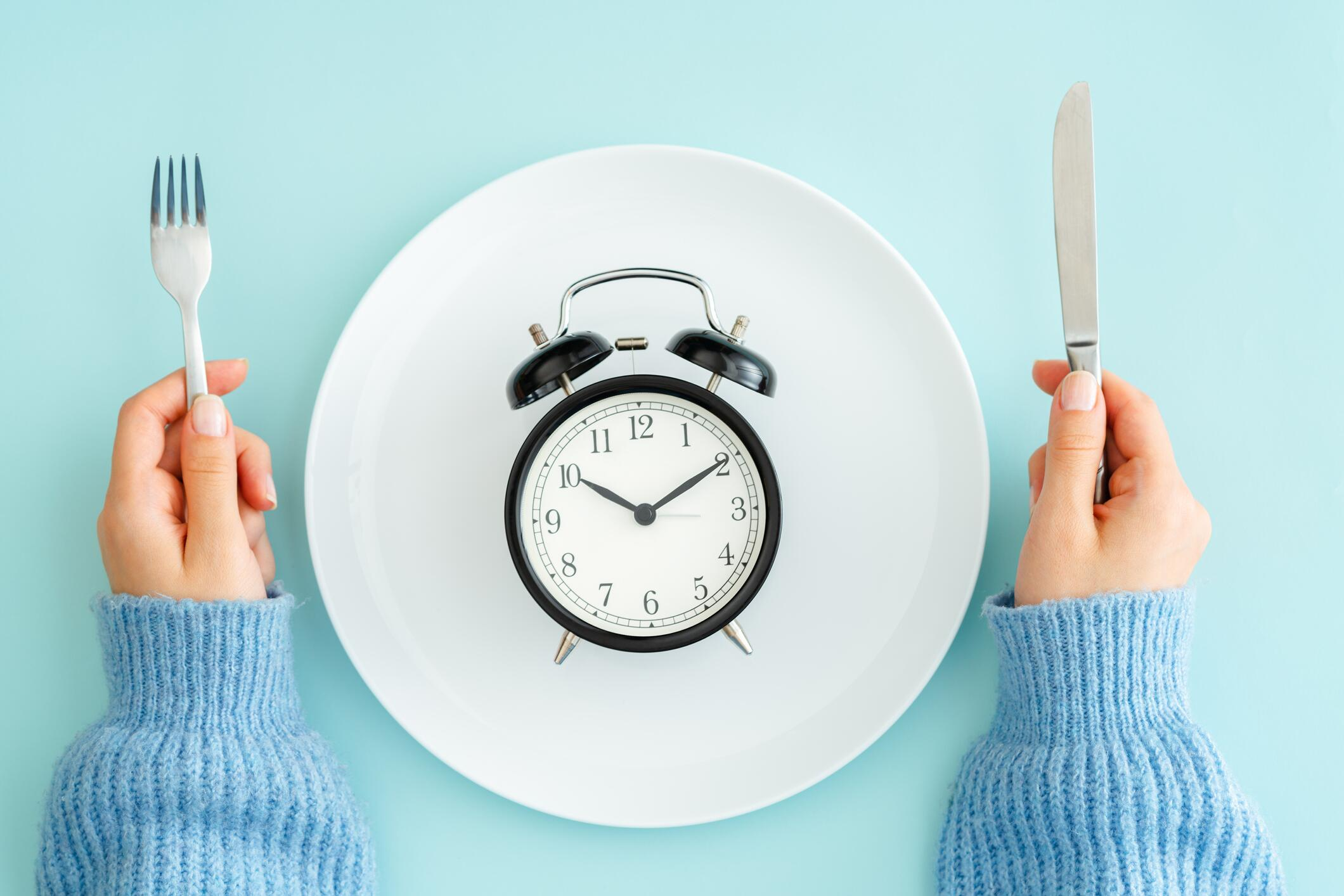 Bild zu fasten, fastenzeit, diät, verzicht, gesund, intervallfasten, trend, lifestyle, ostern