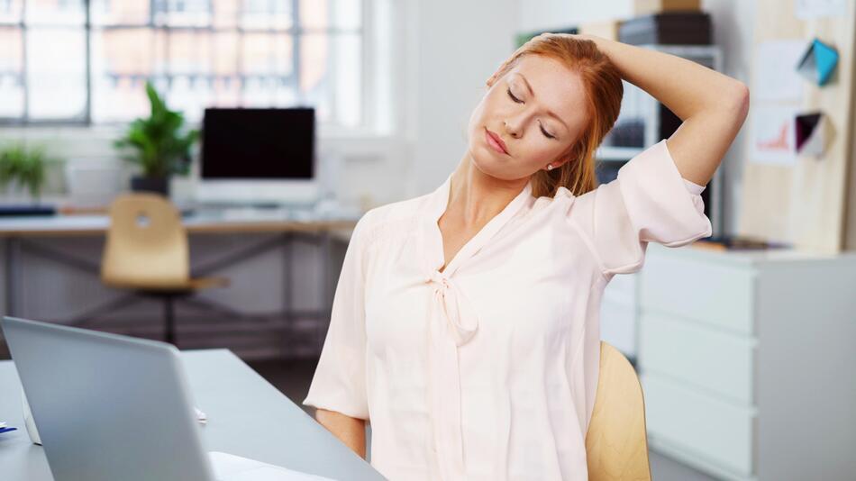 massagegerät. nacken, nackenverspannungen, verspannung, kopfschmerzen, schmerzen, massage