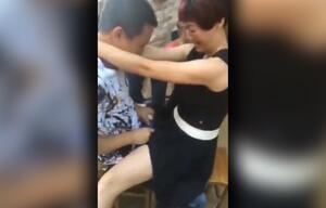 Chinesische Paare lieben diese schlüpfrigen Spielchen