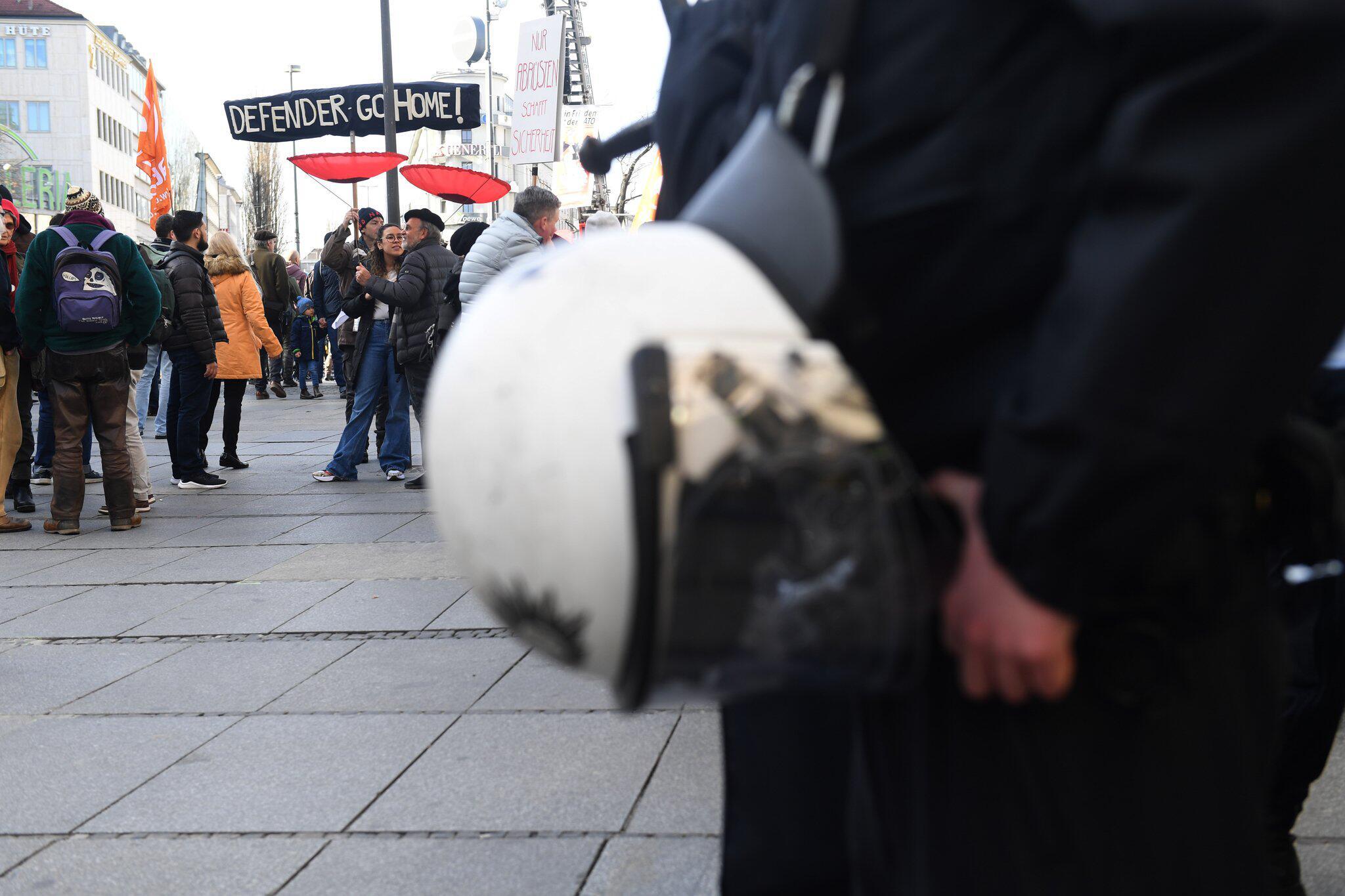 Bild zu Münchner Sicherheitskonferenz - Demonstration