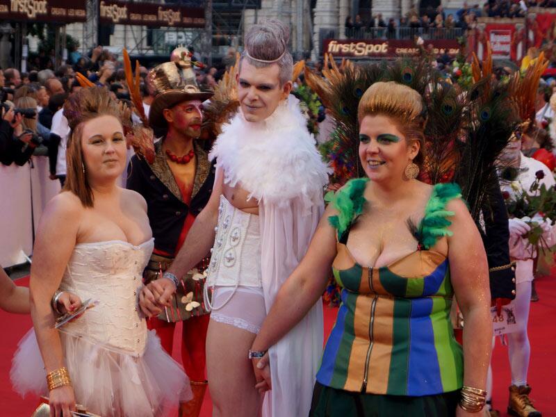 Bild zu Life Ball 2014: Outfits des Grauens
