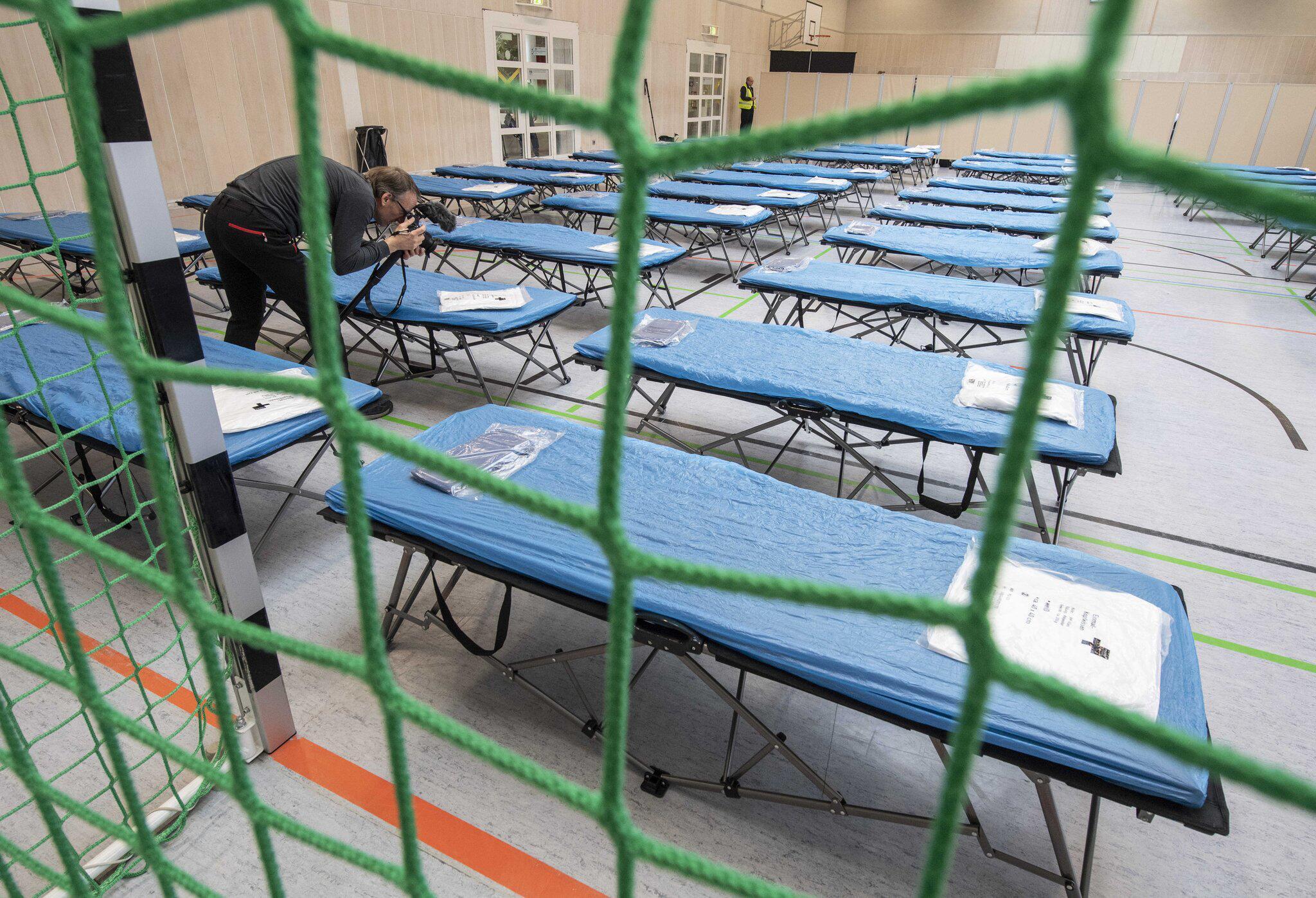 Bild zu Quarantänehalle für Corona-Evakuierte