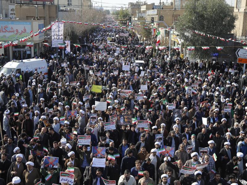 Bild zu Massendemonstration