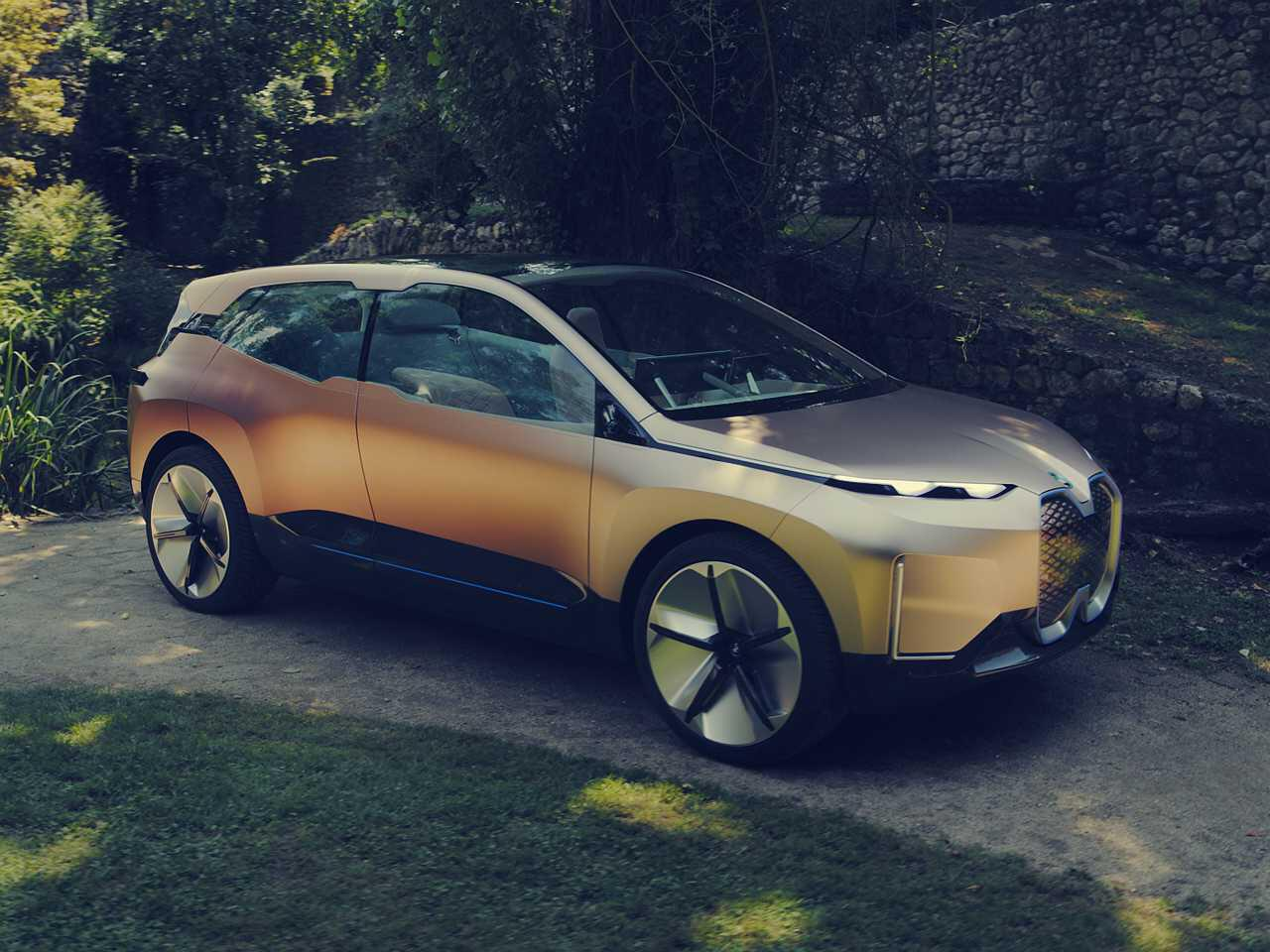 Bild zu Kupferfarbenes Concept Car