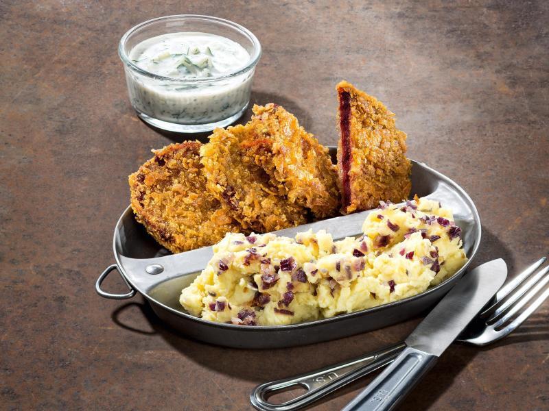 Bild zu Rote-Bete-Schnitzel mit Kartoffelpüree