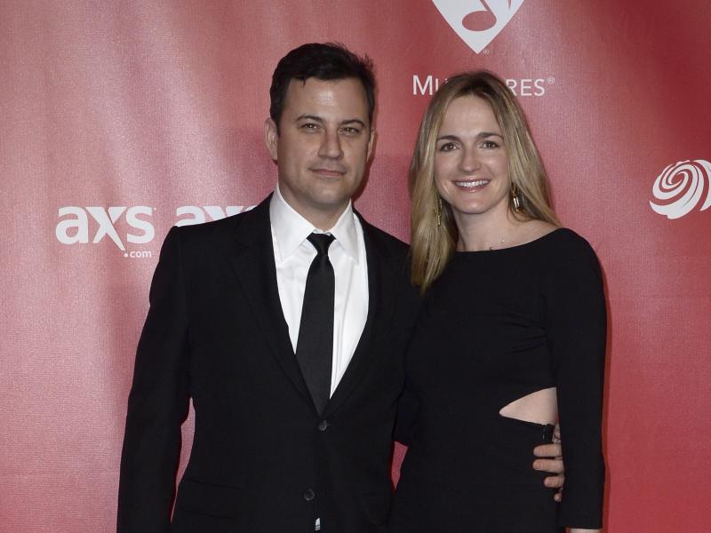 Bild zu Jimmy Kimmel + Frau