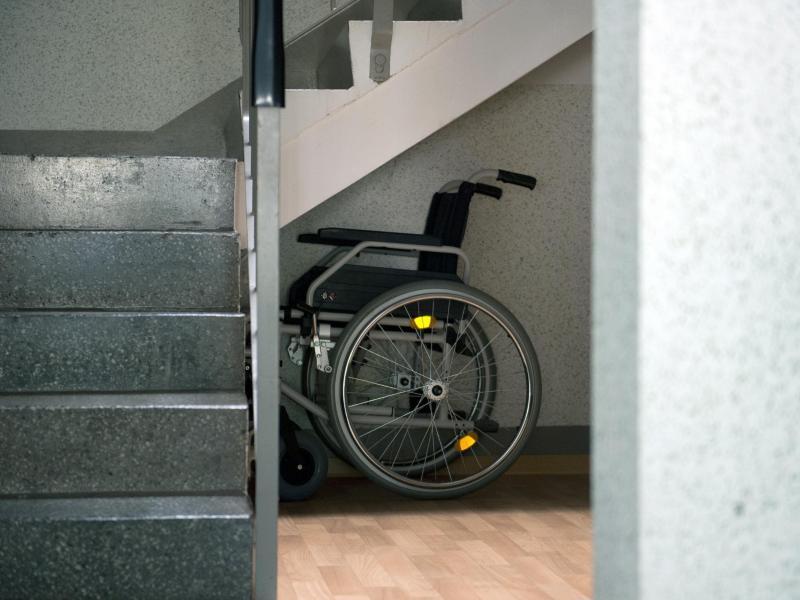 Bild zu Rollstuhl in Wohnhaus