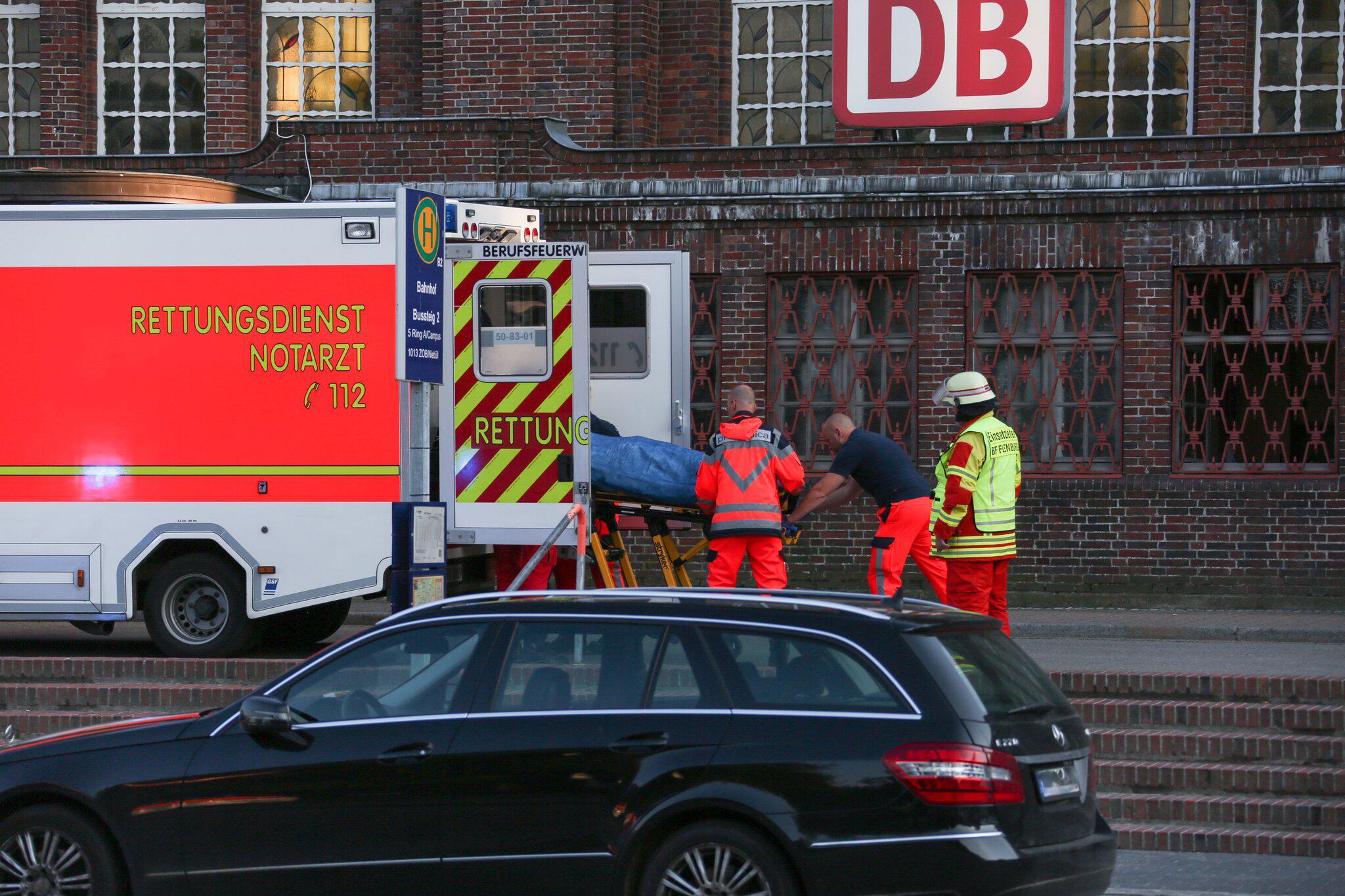 Bild zu Messerangriff in Zug in Flensburg - ein Toter