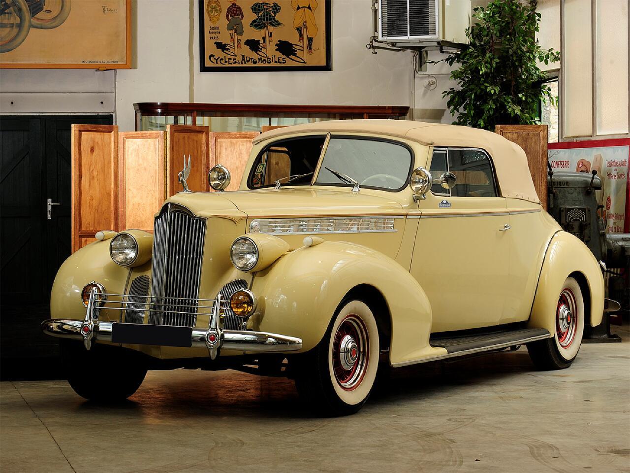 Bild zu 1940 Packard Type 120 Cabriolet