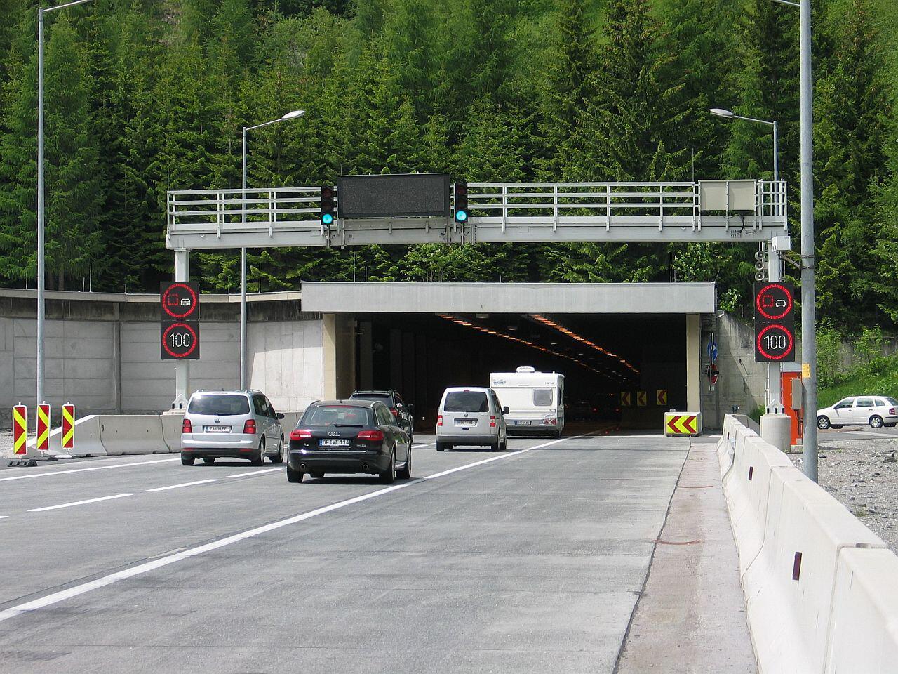 Bild zu Richtiges Verhalten im Tunnel
