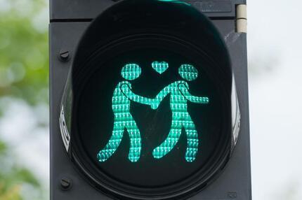 Grünes Licht für Homo-Ehe?