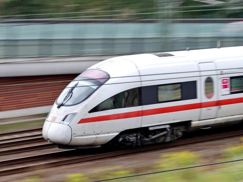 Bild zu Reisen mit der Bahn