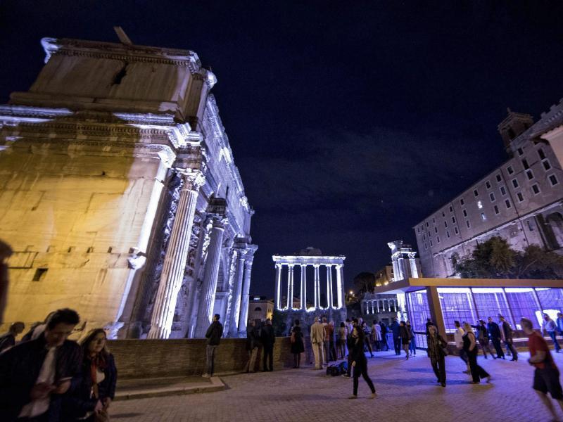 Bild zu Beleuchtetes Forum Romanum