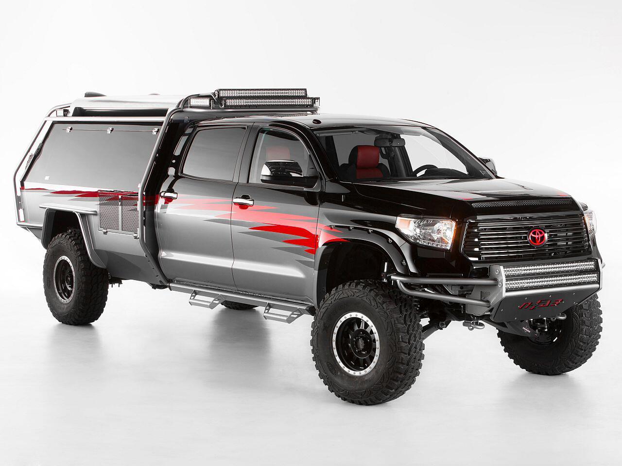 Bild zu Toyota zeigt auf der SEMA 2013 sechs unterschiedlich modifizierte Modelle