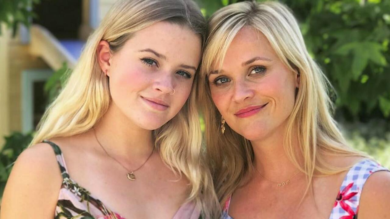 Bild zu Gute Gene: Reese Witherspoons schöne Tochter startet als Model durch