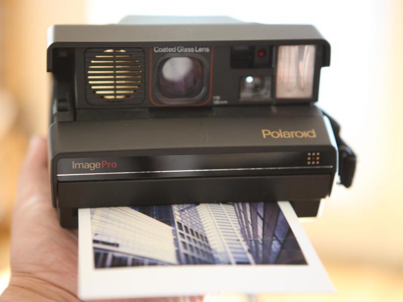 Bild zu Polaroid Sofortbildkamera